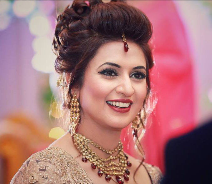 Divyanka wears another cap as Yeh Hai Mohabbatein reruns on end of the week